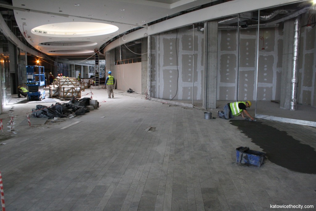 Construction work on new Silesia City Center, mall on the ground level