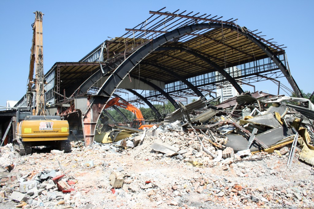 Demolition works on Supersam