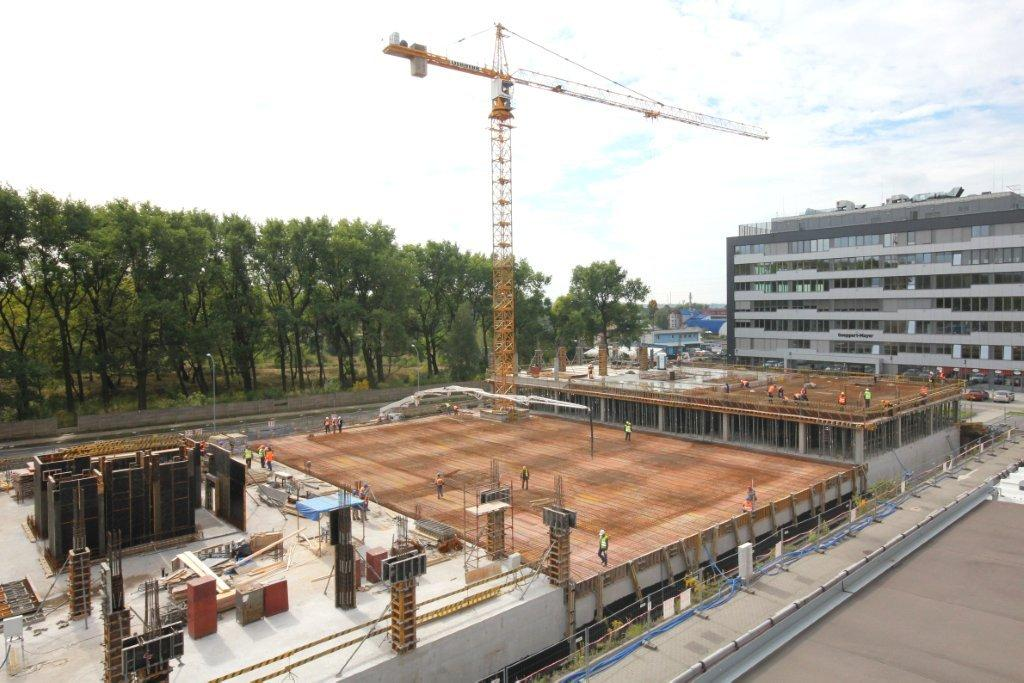 © ING Services Polska, two office buildings of GPP Business Park under construction, the Goeppert-Mayer building at the background