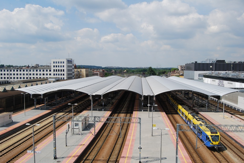© PKP PLK; platforms of the Katowice Railway Station, photo by Jacek Karniewski