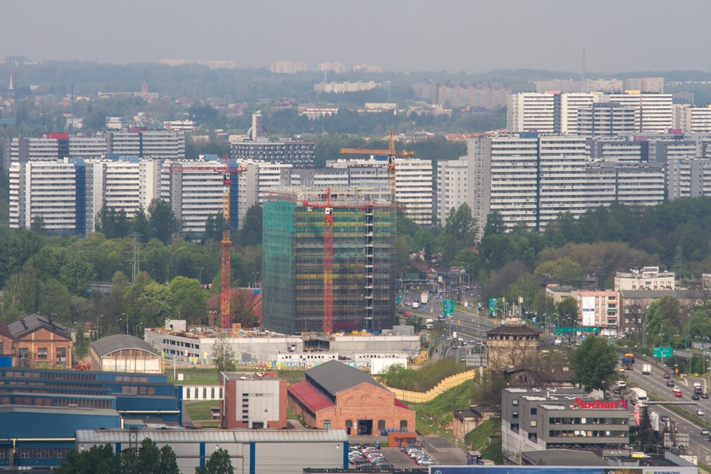 © City Hall of Katowice; first building of Silesia Business Park under construction (photo by Sławomir Rybok)