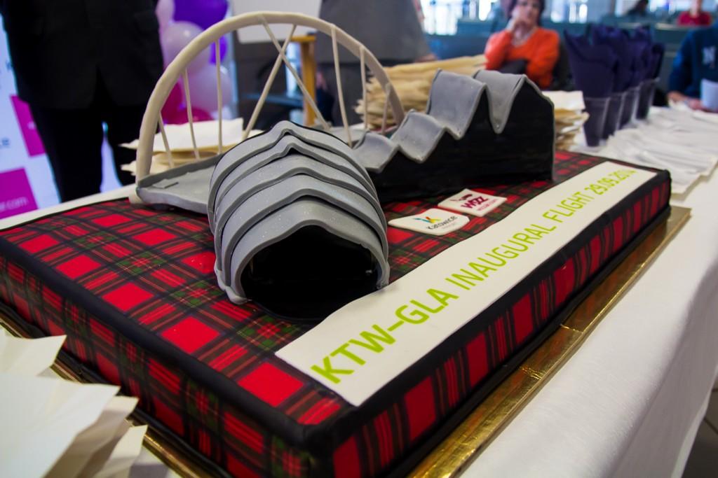 © Katowice International Airport; cake for the Katowice - Glasgow route