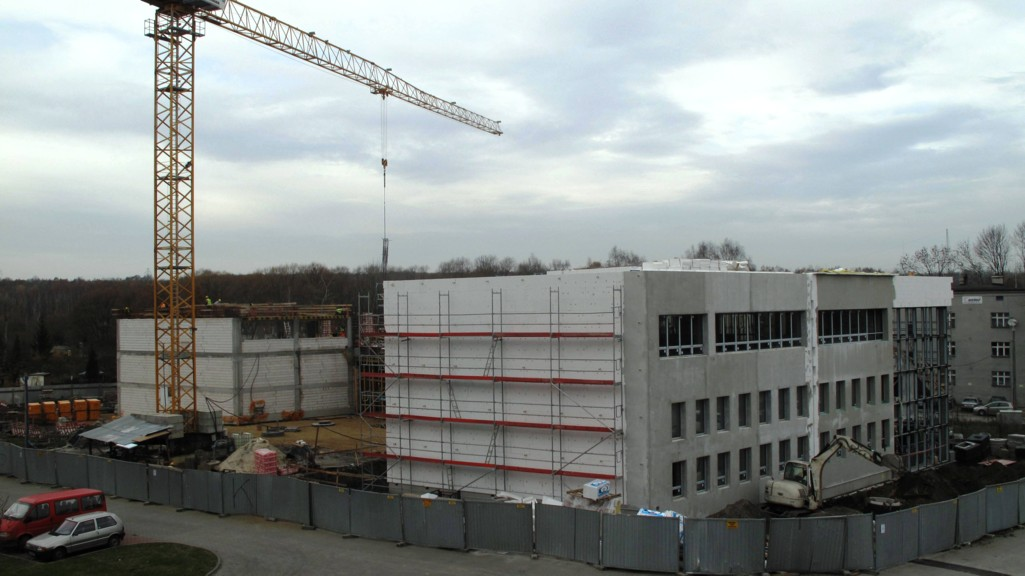 © Euro-Centrum; assembly and warehouse hall under construction