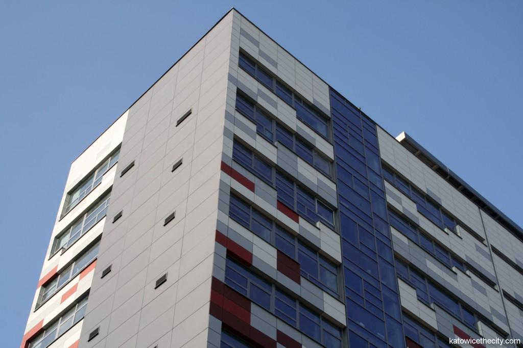 Office building located at 41A Powstańców St.