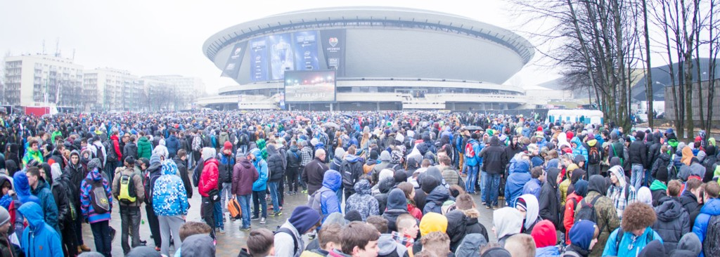© ESL; crowd in front of the Spodek during the Intel Extreme Masters World Championship 2015