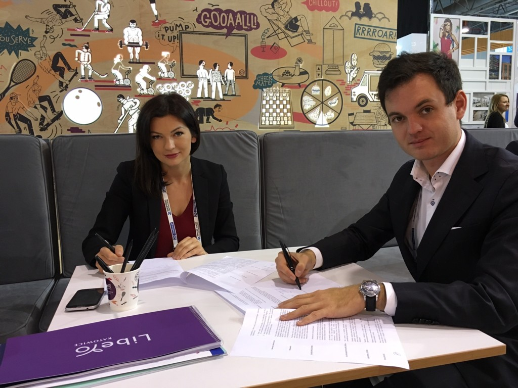 © letter of intend was signed between Echo Investment and Gyncentrum during Shopping Center Forum in Warsaw